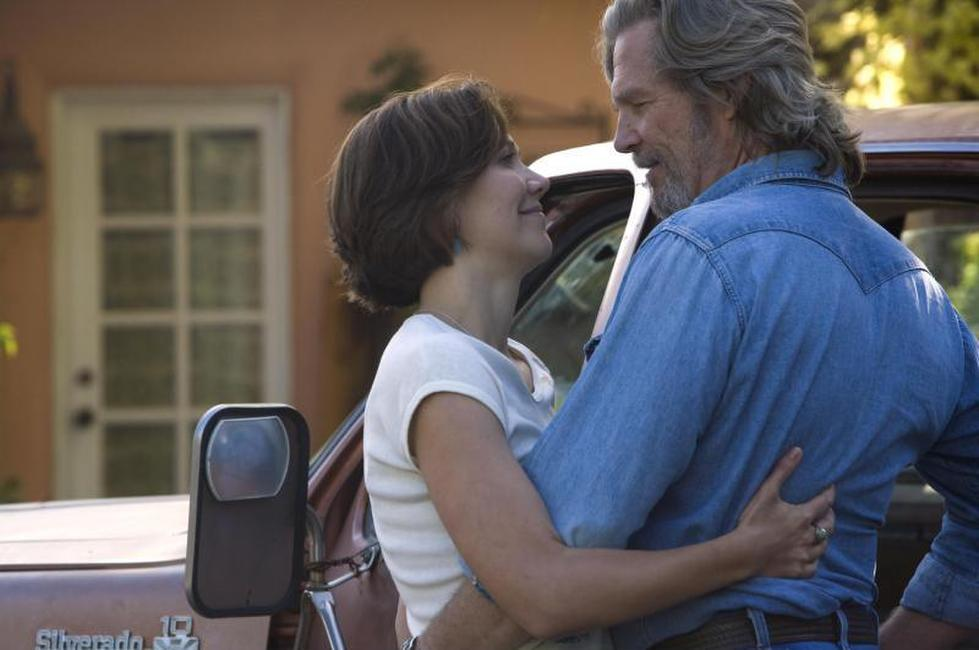 Maggie Gyllenhaal and Jeff Bridges in
