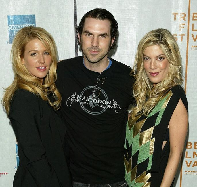 Poppy Montgomery, Paul Schneider and Tori Spelling at the premiere of
