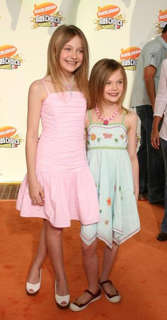 Dakota Fanning and Elle Fanning at the 20th Annual Kid's Choice Awards.