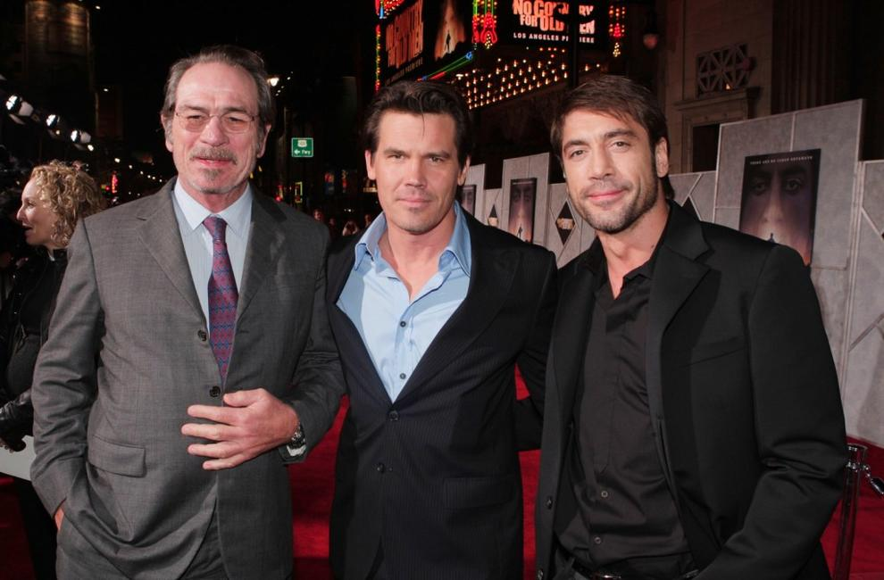 Tommy Lee Jones, Josh Brolin and Javier Bardem  at the premiere of