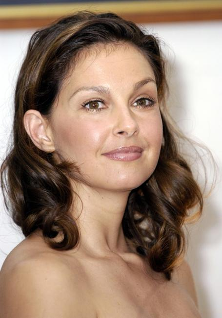 Ashley Judd at the Sigma Phi Epsilon fraternity house to talk about the importance of HIV/AIDS testing.