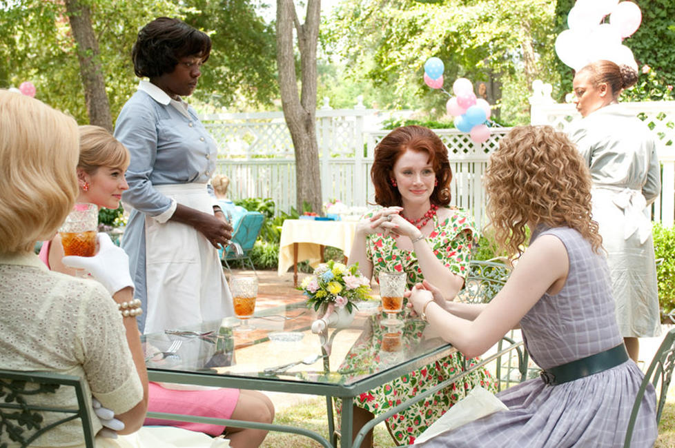 Viola Davis and Bryce Dallas Howard in