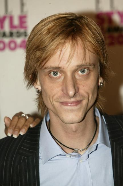 Mackenzie Crook at the Elle Style Awards 2004.