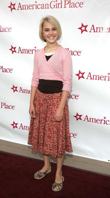 AnnaSophia Robb at the grand opening of American Girl Place Los Angeles benefiting the Los Angeles Public Library.