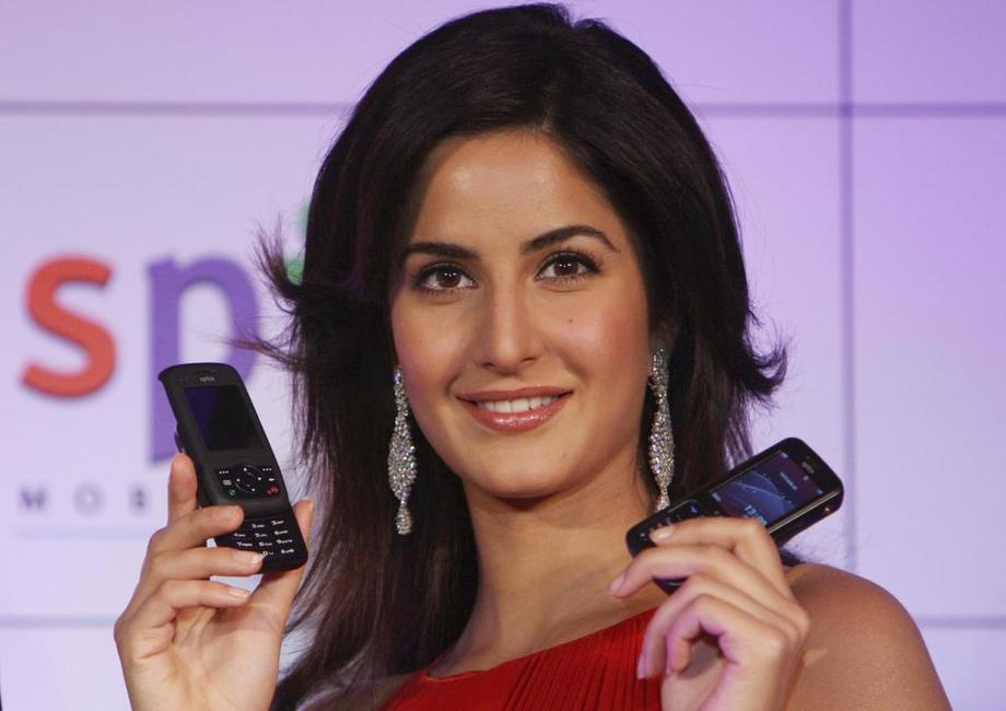 Katrina Kaif at the launch of 3G Spice cellular telephones.