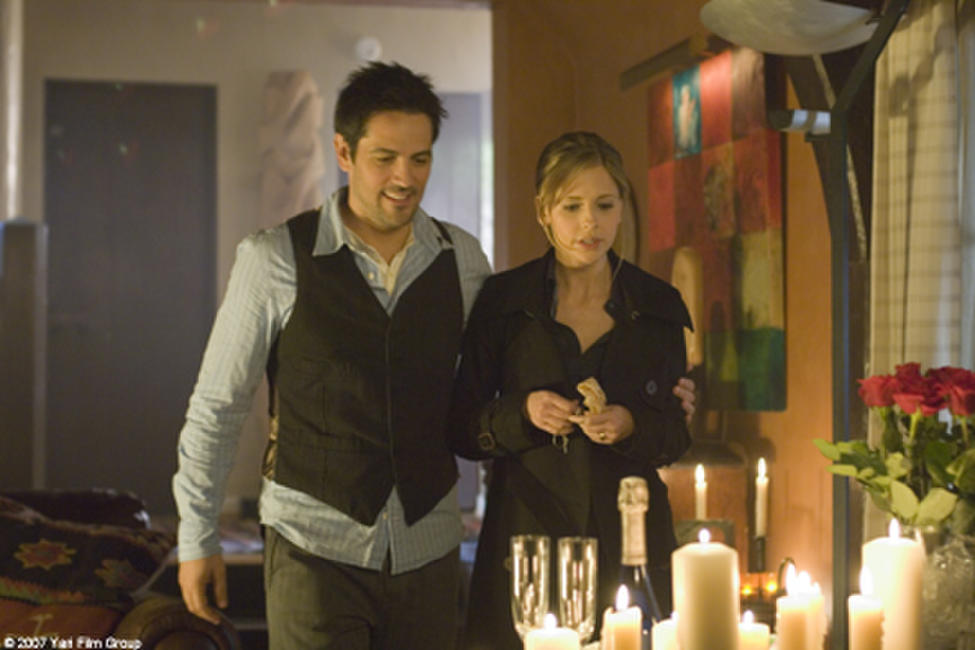 Michael Landes and Sarah Michelle Gellar in
