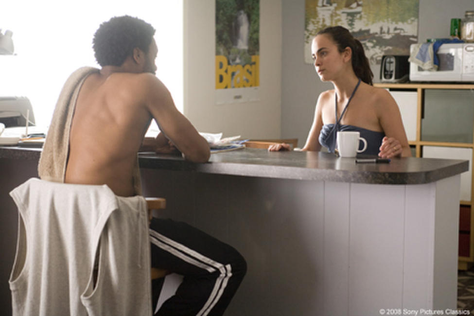 Chewitel Ejiofor as Mike Terry and Alicia Braga as Sondra Terry in
