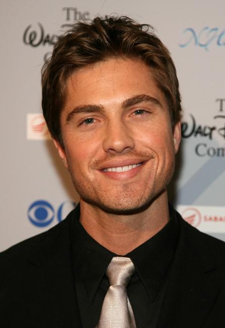 Eric Winter at the National Hispanic Media Coalition's 10th Annual Impact Awards Gala.