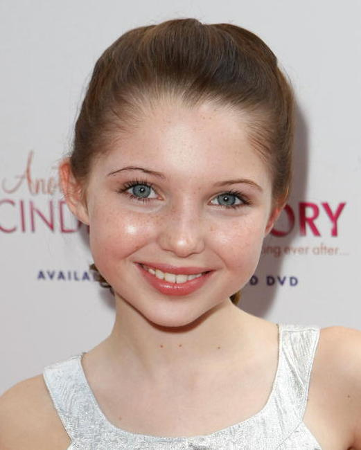 Sammi Hanratty at the premiere of