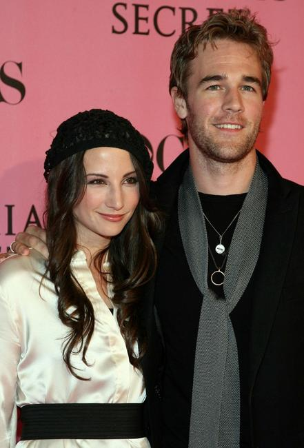 James Van Der Beek and Heather McComb at the 2007 Victoria's Secret fashion show.