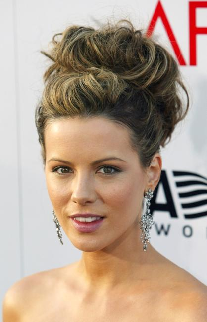 Kate Beckinsale at the 32nd Annual AFI Life Achievement Award.