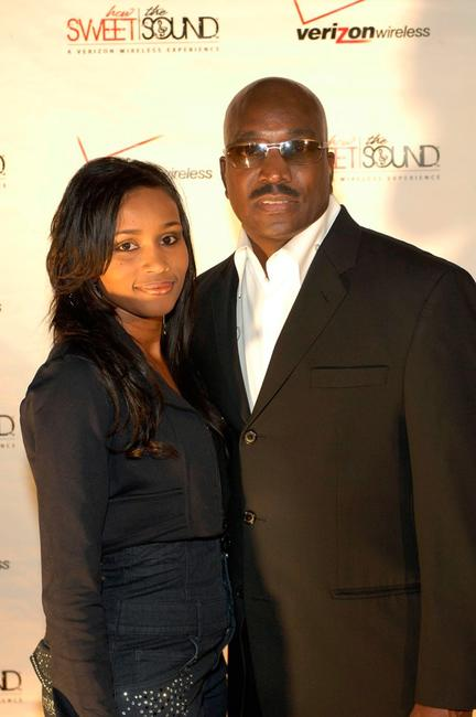 Clifton Powell and Guest at the finale of Verizon Wireless