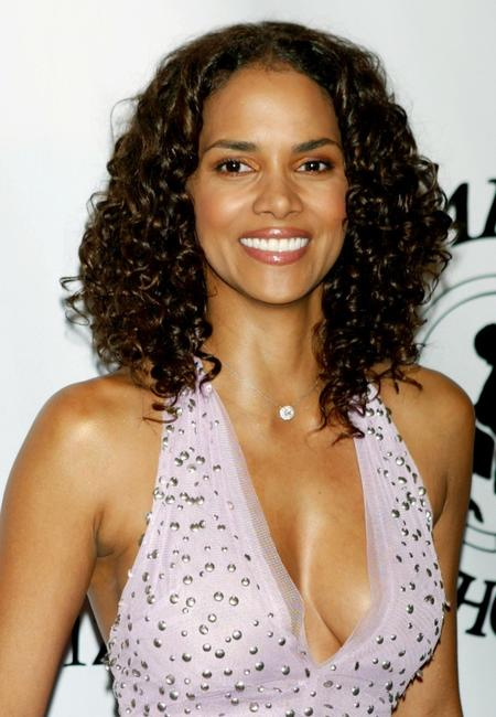 Halle Berry at the 16th Carousel of Hope presented by Mercedes-Benz benefiting the Barbara Davis Center for Childhood Diabetes.