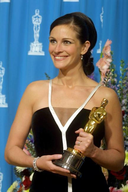 Julia Roberts at the 73rd Annual Academy Awards.