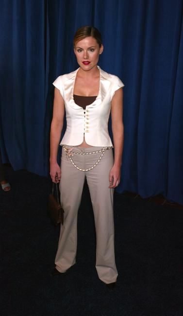 Kathleen Robertson at the FOX 2002 Upfronts.