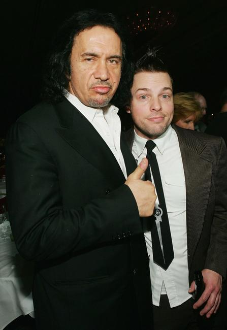Gene Simmons and Lit bassist Kevin Baldes at the 2005 AVN (Adult Video News) Awards.