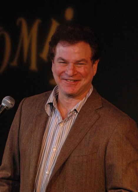 Robert Wuhl at the WRITE-AID at Comix.