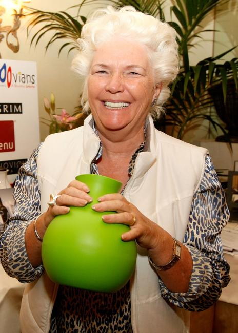 Fionnula Flanagan at the 2008 World Experience DPA gift lounge.