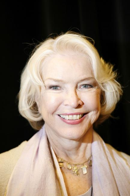 Ellen Burstyn at the Indigo for her book