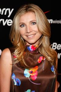 Sarah Chalke at the Launch Party For The New BlackBerry 8330 Pink Curve.