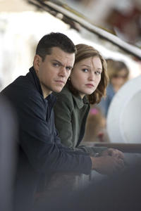 Matt Damon and Julia Stiles in