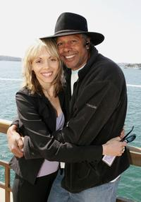 Karla Grant and Ernie Dingo at the 2005 Deadly Awards.