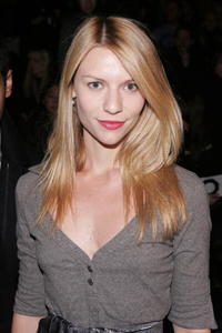 Claire Danes at the Zac Posen Fall 2006 fashion show in N.Y.