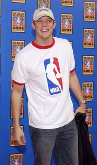 Matthew Lillard at the 2004 NBA All-Star Game.