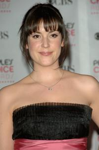 Melanie Lynskey at the 33rd Annual People's Choice Awards.