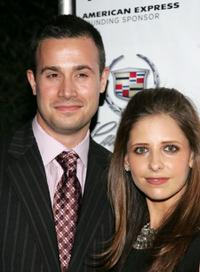 Freddie Prinze, Jr. and Sarah Michelle Gellar at the 2007 Tribeca Film Festival.