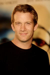 """Thomas Jane at the premiere of """"K-PAX"""" in Los Angeles."""