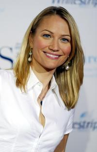 Sarah Wynter at the 2004 Crest Whitestrips Style Awards.