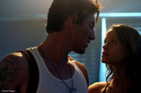 Eric Balfour as Jarrod and Scottie Thompson as Elaine in