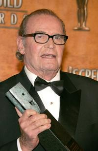 James Garner at the 11th Annual Screen Actors Guild Awards in press room with his Lifetime Achievement Award.