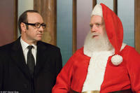 Kevin Spacey and Paul Giamatti in
