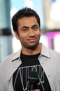 Kal Penn at the MTV's Total Request Live.