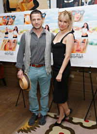 Tim Guinee and Sienna Miller at the New York premiere of
