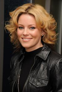 Elizabeth Banks at the MTV's Total Request Live.