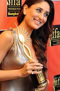 Kareena Kapoor at the International Indian Film Academy (IIFA) Awards 2008 ceremony.