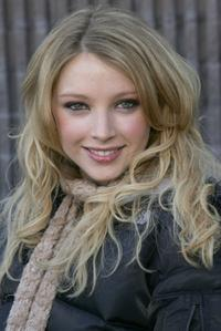 Elisabeth Harnois at the premiere of