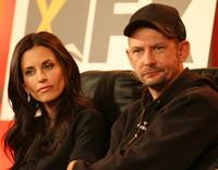 Courteney Cox and Ian Hart at the 2007 Winter TCA Press Tour.