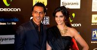 Arjun Rampal and Sonam Kapoor at the 2009 International Indian Film Academy Awards.