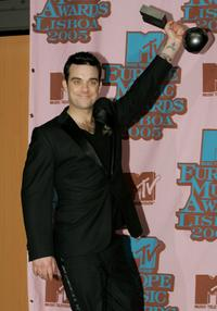 Robbie Williams at the 12th annual MTV Europe Music Awards 2005.