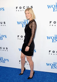 Rosamund Pike at the California premiere of