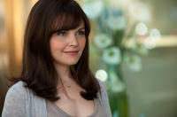 Ginnifer Goodwin as Rachel in