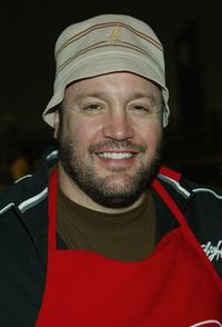 Kevin James at the Salvation Army / Disneyland Thanksgiving Eve Dinner.