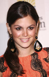 Rachel Bilson at the Benefit for the Los Angeles Mission in Hollywood.