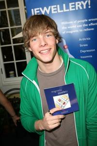 Hunter Parrish at the Style 2006 Garden Party.