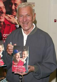Jack Klugman signs copies of his new book 'Tony and Me'.
