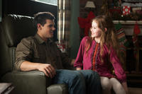 Taylor Lautner and Mackenzie Foy in